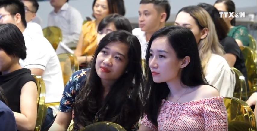 Những vị khách tham gia sự kiện ra mắt của ứng dụng Fiin