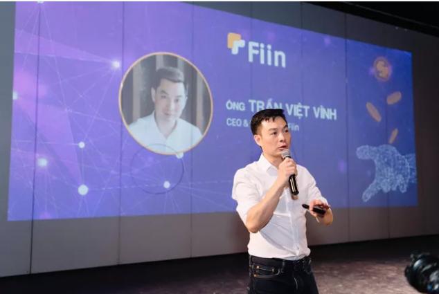 CEO Fiin - Trần Việt Vĩnh trong buổi họp báo giới thiệu tính năng mới ứng tiền tiêu dùng - xu hướng tiêu dùng mới thời công nghệ số