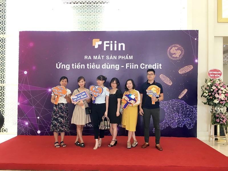 Những bạn trẻ tham gia sự kiện Ứng tiền tiêu dùng - Fiin Credit miễn lãi phí 45 ngày