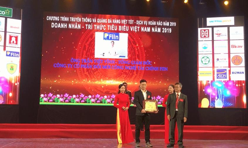 """Giải thưởng """"Doanh nhân Vàng Việt Nam 2019"""" là phần thưởng xứng đáng cho CEO Trần Việt Vĩnh sau nhiều đóng góp cho lĩnh vực Fintech của Việt Nam"""