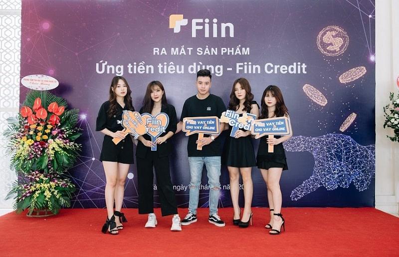 Fiin Credit đang là lựa chọn của nhiều bạn trẻ.