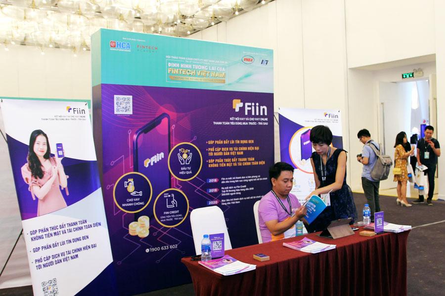Gian hàng của Công ty CP Đổi mới Công nghệ Tài chính Fiin, một doanh nghiệp startup thành công hoạt động trong lĩnh vực cho vay ngang hàng duy nhất tham gia hội thảo