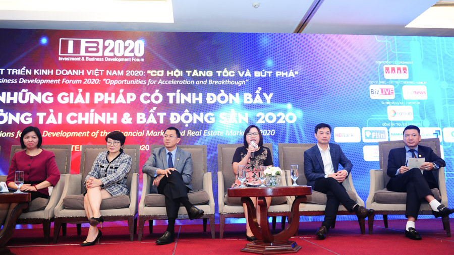 CEO Fiin Credit và các diễn giả tham gia diễn đàn đầu tư năm 2020